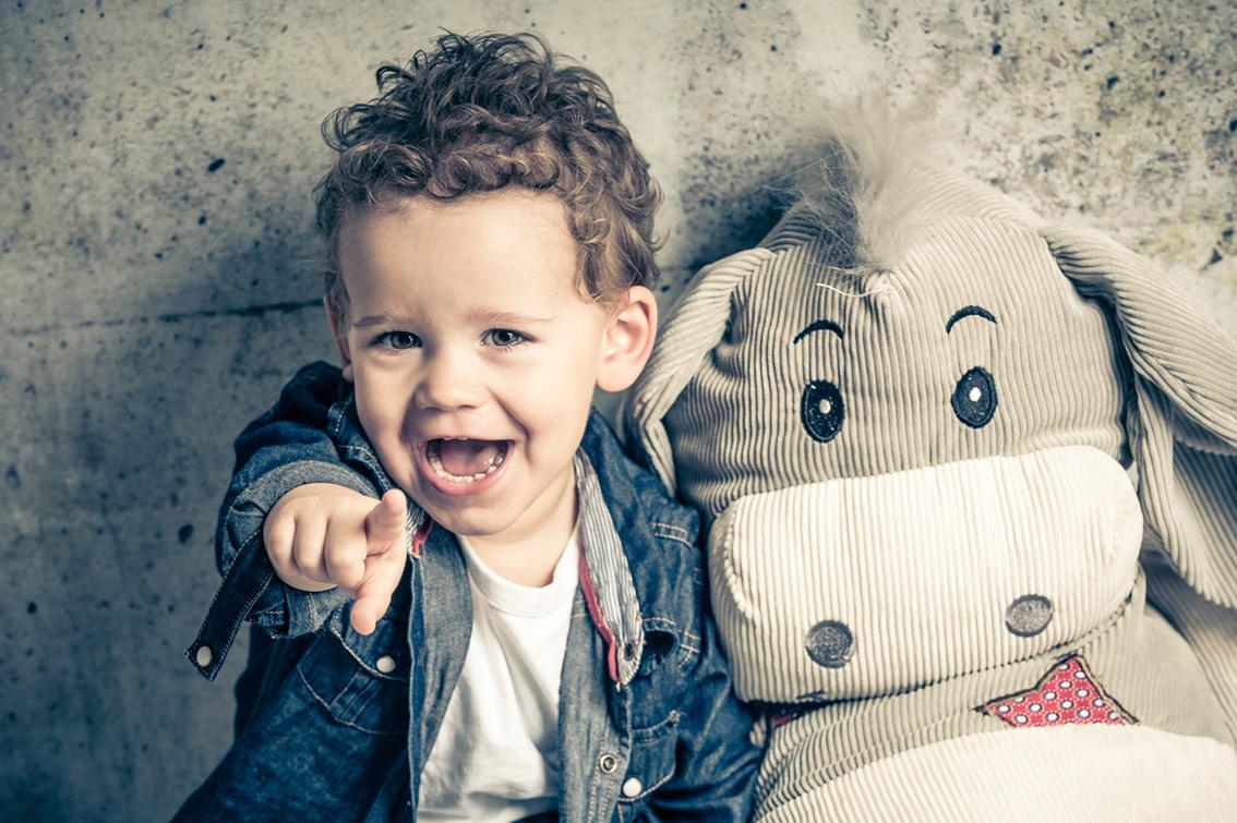 007-kids-kinder-kinderfotos-kinder-shooting-aachen-kinderportrait-kinderbilder-heinsberg-kinderfotografie-dueren-aachen-alsdorf-003