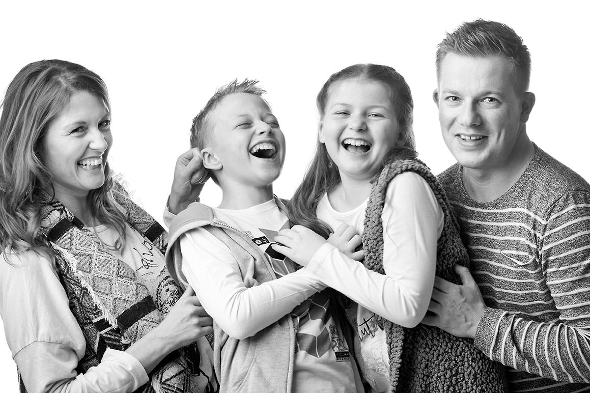 024-FAMILIE-Familienfotos-Eschweiler-Familienshooting-Aachen-Fotograf-Dueren- Fotos-by-Domi19598062