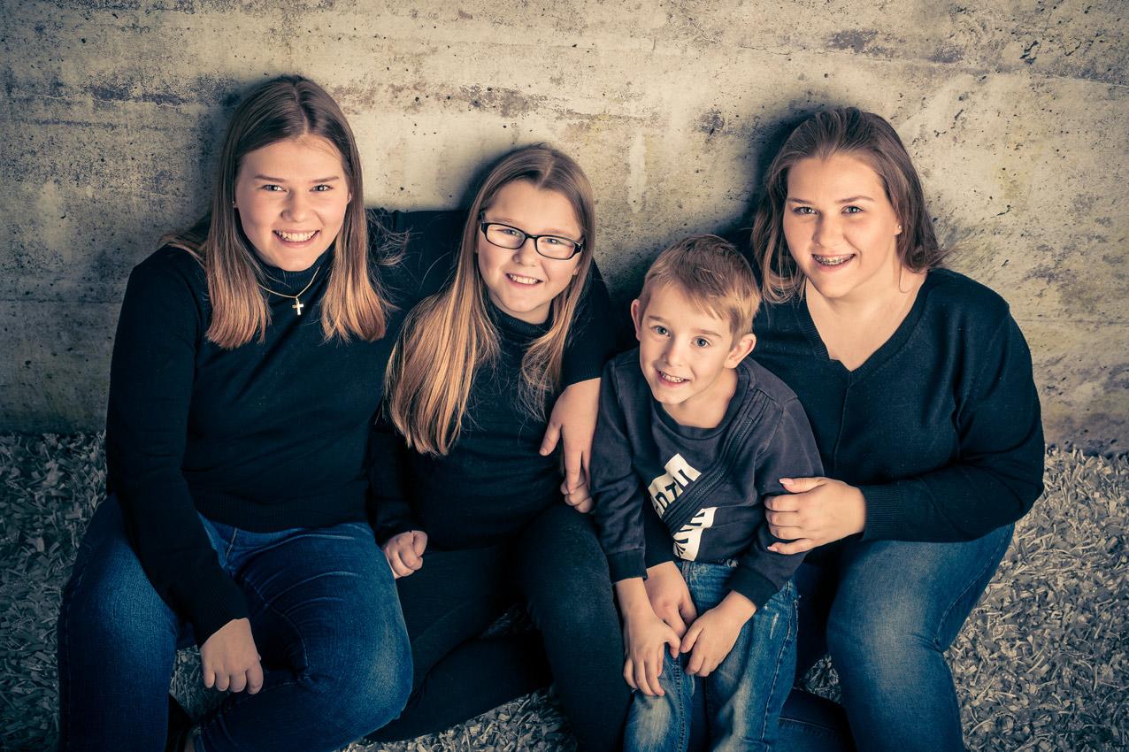 025-kids-kinder-kinderfotos-kinder-shooting-aachen-kinderportrait-kinderbilder-heinsberg-kinderfotografie-dueren-aachen-alsdorf-027
