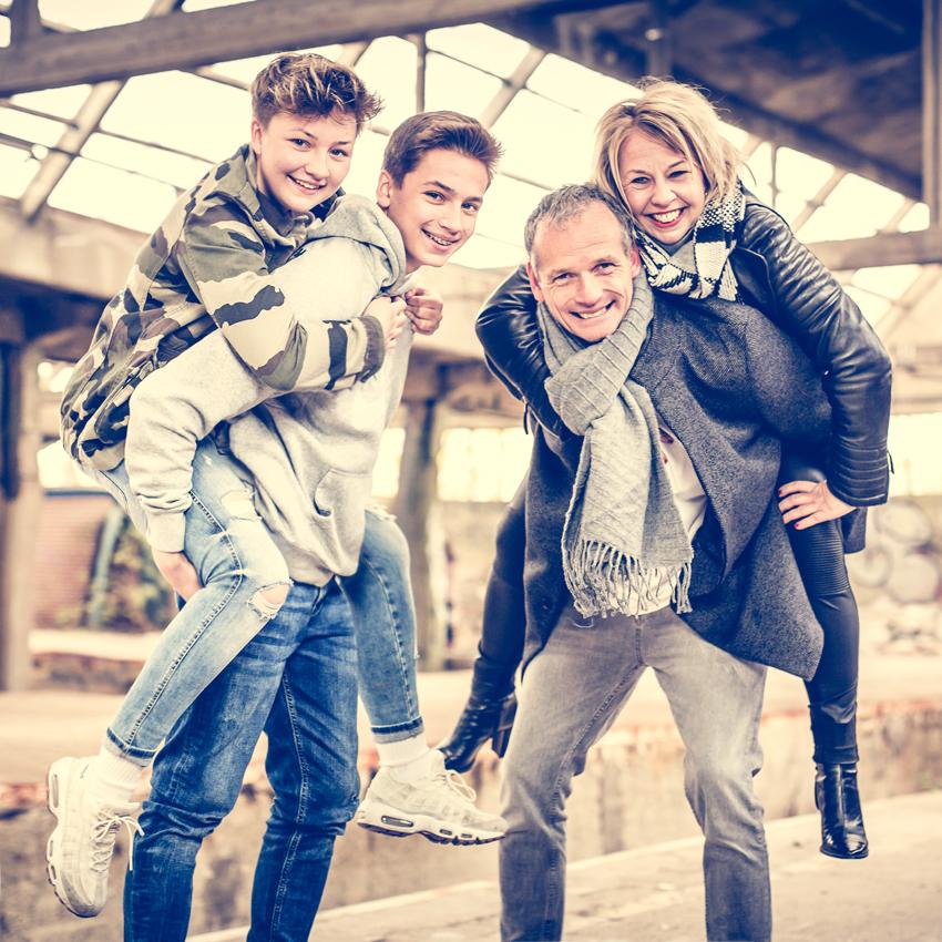 03_FAMILIE-family-Familienfotos-Aachen-Fotograf-Dueren- Fotos-by-Domi-004