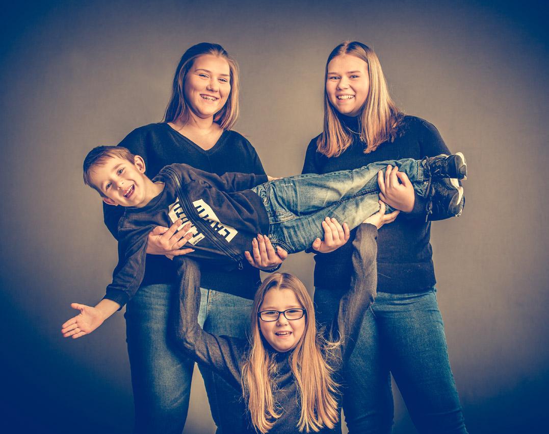 kids-kinder-kinderfotos-kinder-shooting-aachen-kinderportrait-kinderbilder-heinsberg-kinderfotografie-dueren-aachen-alsdorf-050