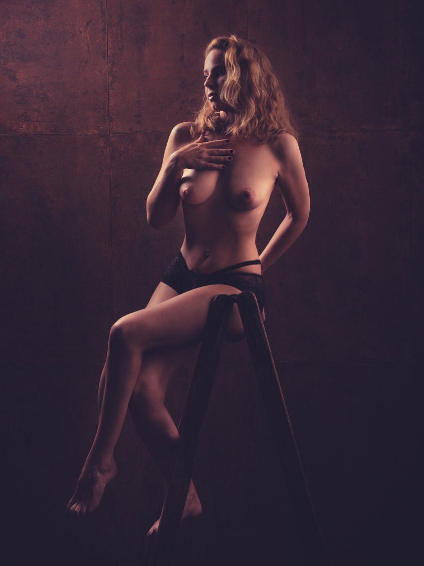 AKT-UND-EROTIK-aktshooting-eschweiler-erotikfotos-dueren-erotische-fotos-eschweiler-erotikshooting-alsdorf-aktfotografie-aachen-Fotos-By-Domi-Eschweiler-47