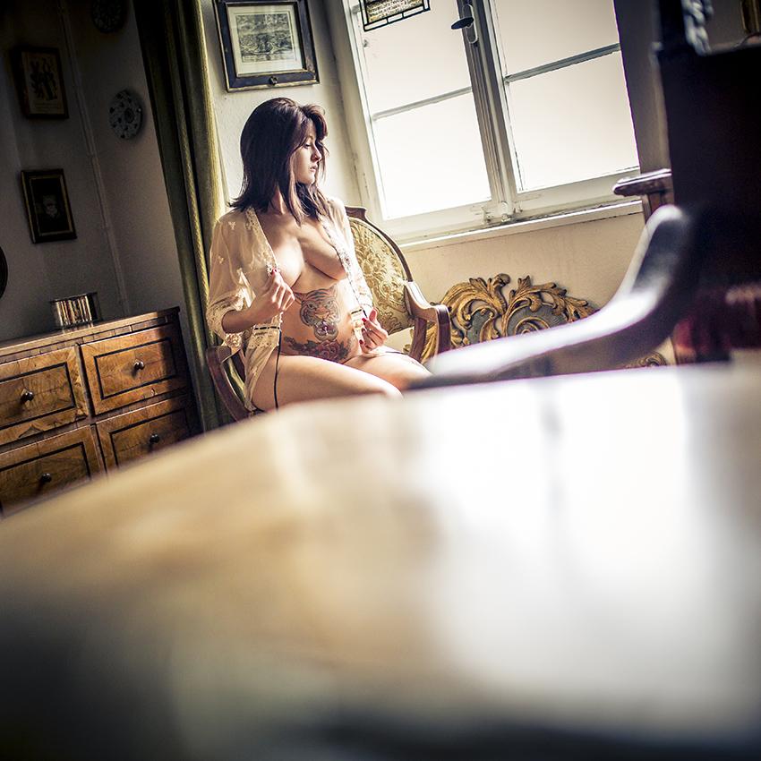 BEAUTY-und-BOUDOIR-aachen-erotikshooting-dueren-erotikfotos-alsdorf-erotikbilder-eschweiler-boudoirfotografie-aachen-Fotos-by-Domi-alsdorf-907