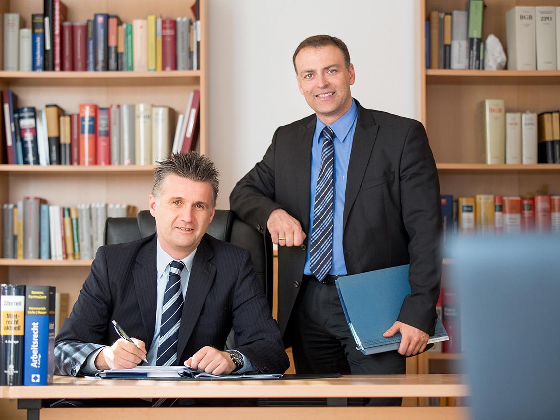 BUSINESS-Firmenfotos-aachen-businessportrait-eschweiler-mitarbeiterfotos-dueren-businessfoto-aachen-Fotos-by-Domi-eschweiler-kanzlei-wuerselen-15705722
