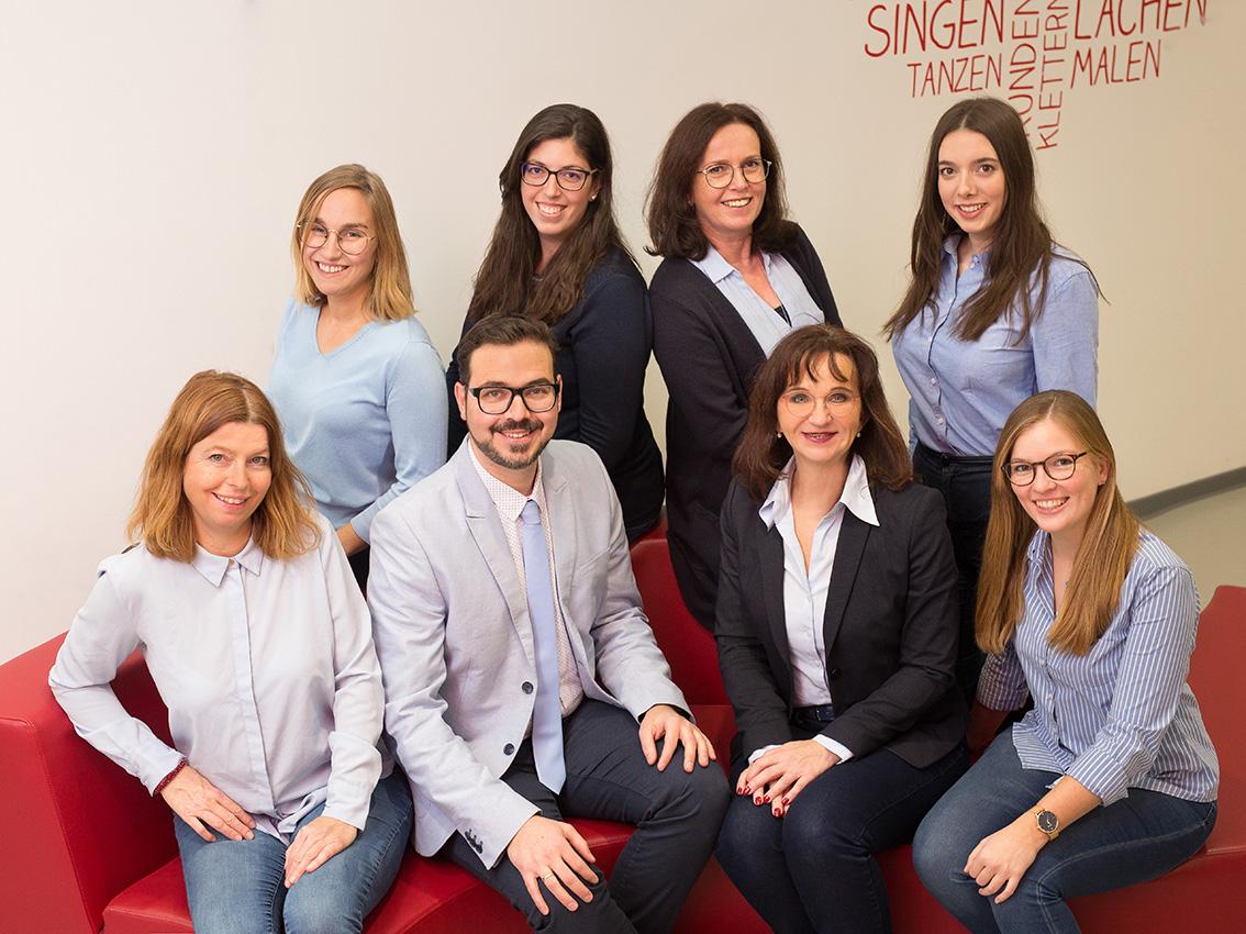BUSINESS-Firmenfotos-aachen-businessportrait-eschweiler-mitarbeiterfotos-dueren-businessfoto-aachen-Fotos-by-Domi-eschweiler-teamfoto-dueren-Kreismäuse-12-19-7336