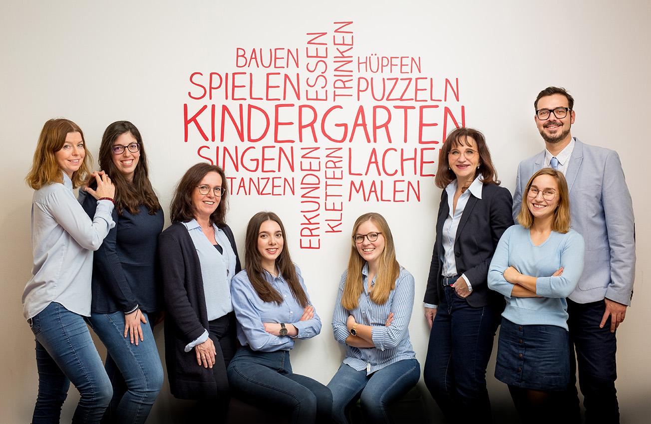 BUSINESS-Firmenfotos-aachen-businessportrait-eschweiler-mitarbeiterfotos-dueren-businessfoto-aachen-Fotos-by-Domi-eschweiler-teamfoto-dueren-Kreismäuse-12-19-7344
