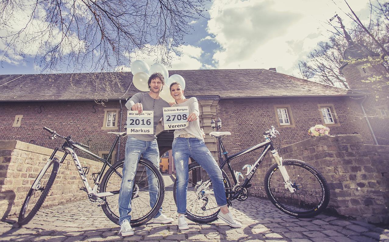 ENGAGEMENT-aachen-engagementshooting-eschweiler-verlobungsfotos-schloss-burgau-dueren-fotos-by-domi-hochzeitsfotograf-eschweiler-880
