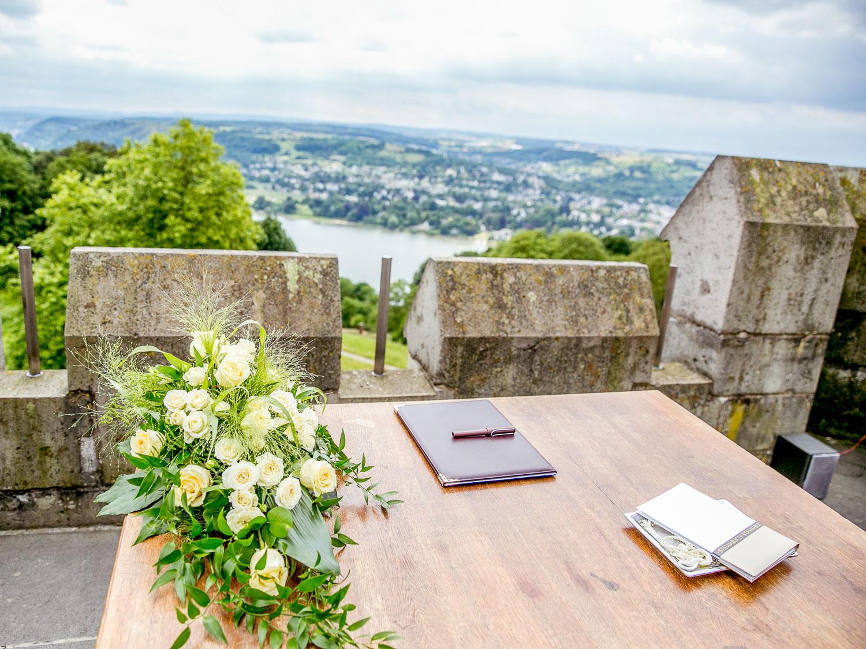 HOCHZEITSREPORTAGE-aachen-hochzeit-dueren-hochzeitsfotos-eschweiler-fotos-by-domi-hochzeitsfotograf-aachen–16457573