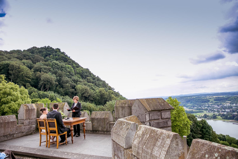 HOCHZEITSREPORTAGE-aachen-hochzeit-dueren-hochzeitsfotos-eschweiler-fotos-by-domi-hochzeitsfotograf-aachen–16457671