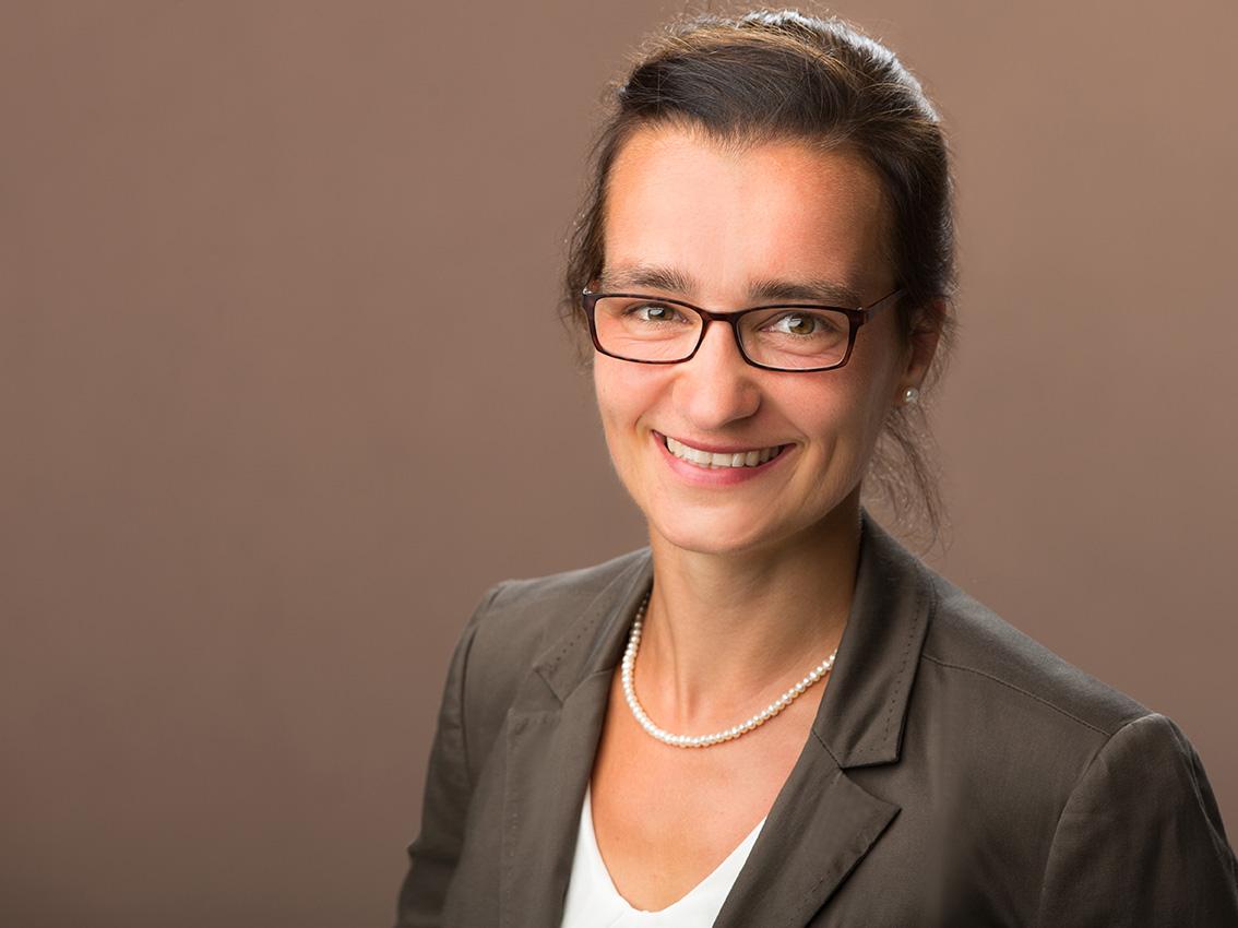 business-bewerbungsfotos-aachen-fotos-by-domi-eschweiler-businessfotos-dueren-businessportrait-aachen-karrierefotos-imagefotos-aachen-bewerbungsbilder-eschweiler-005
